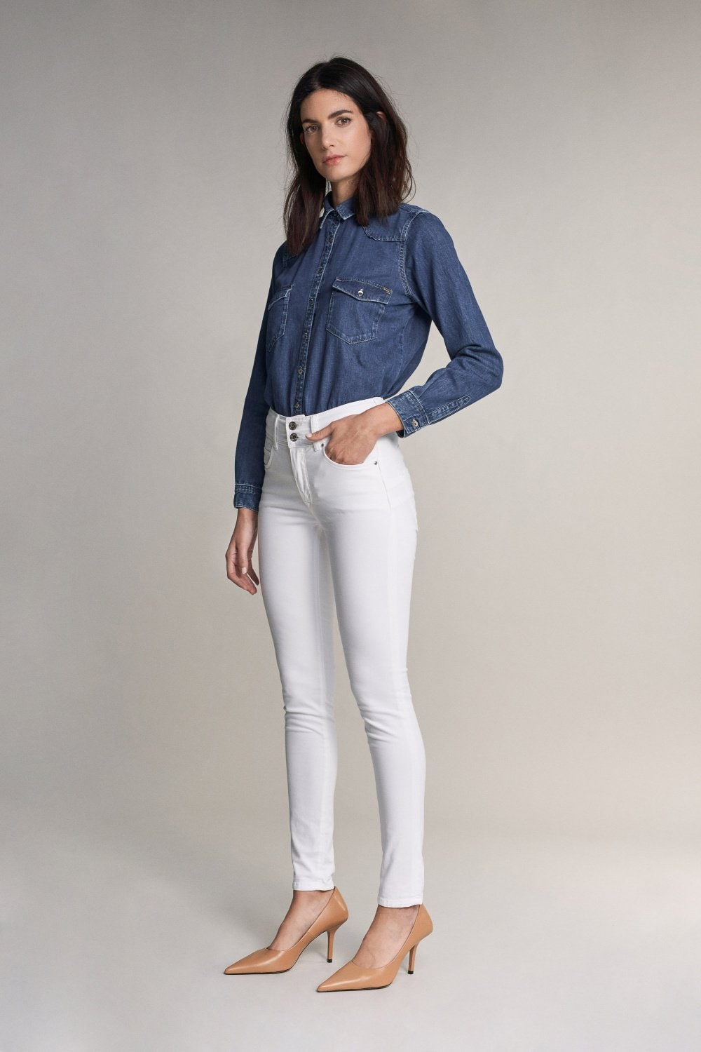Secret push in skinny white jeans - Salsa