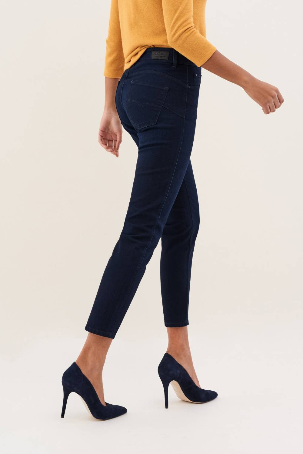 Secret glamour push in capri jeans in dark denim - Salsa