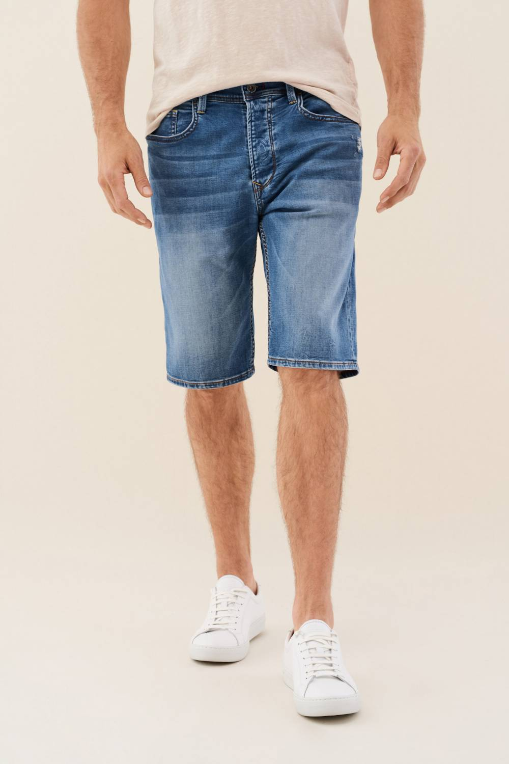 Shorts Loose Jogger, aus hellem Denim - Salsa
