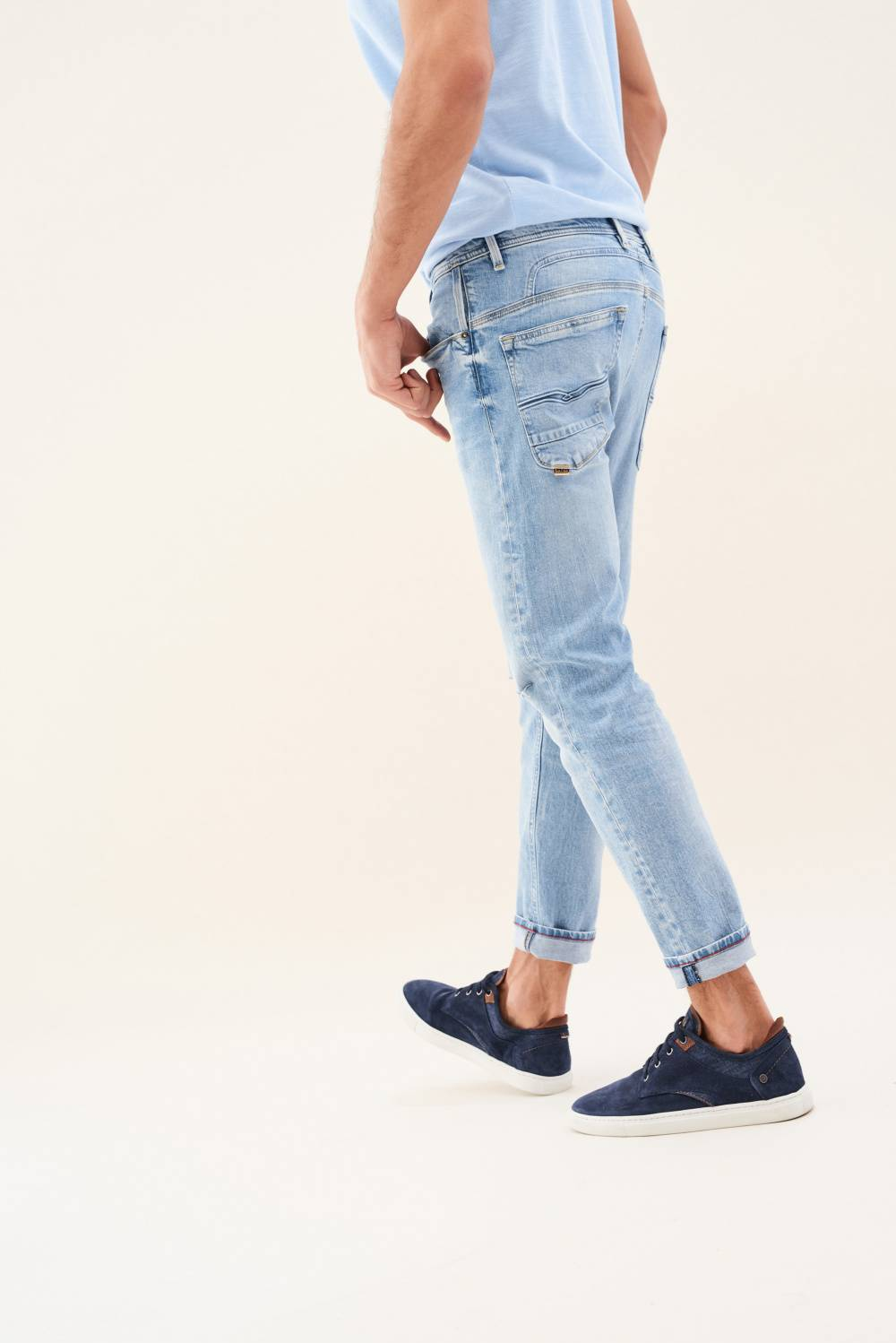 Karl Loose jeans with rip - Salsa