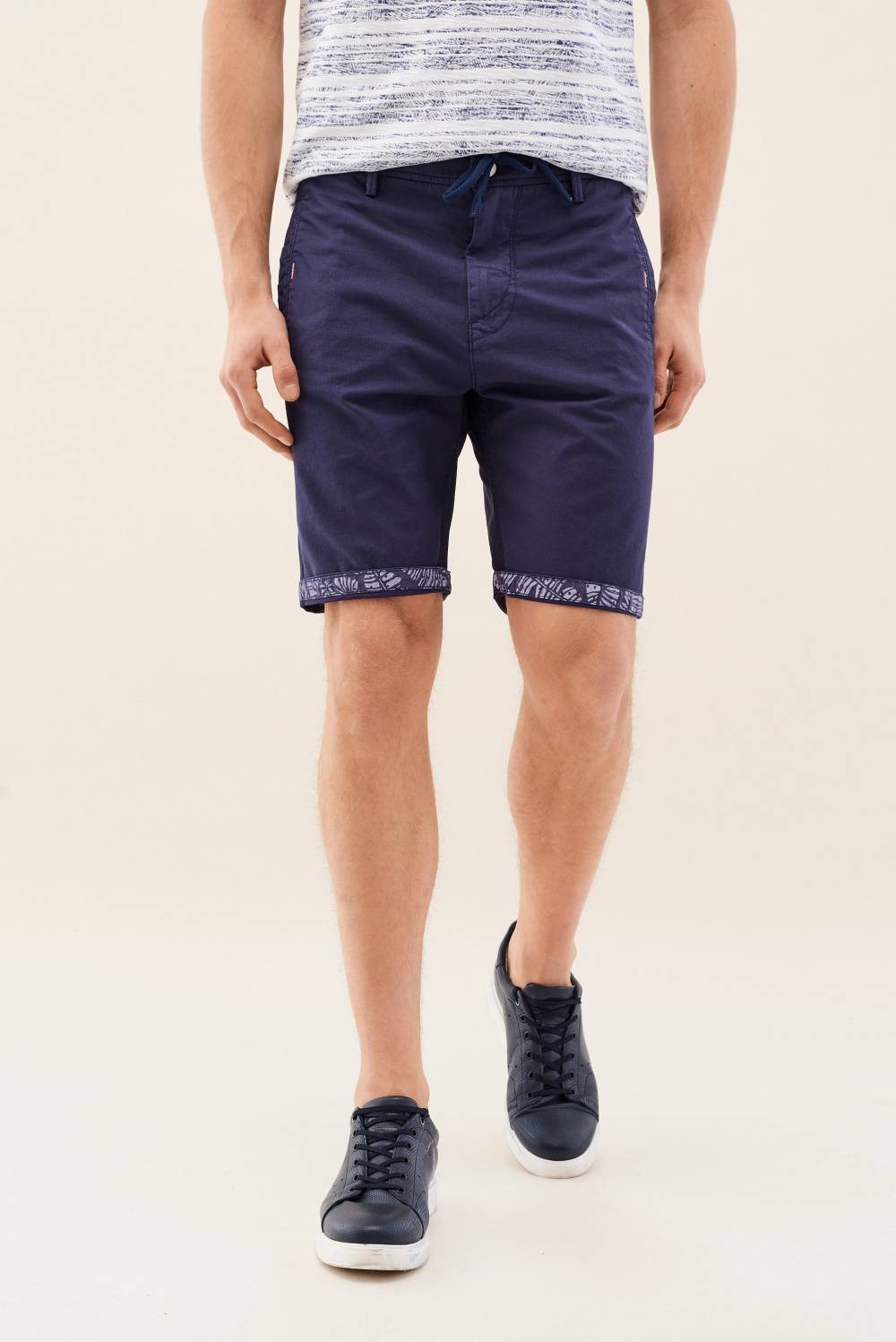 Shorts in fabric colour with detail - Salsa