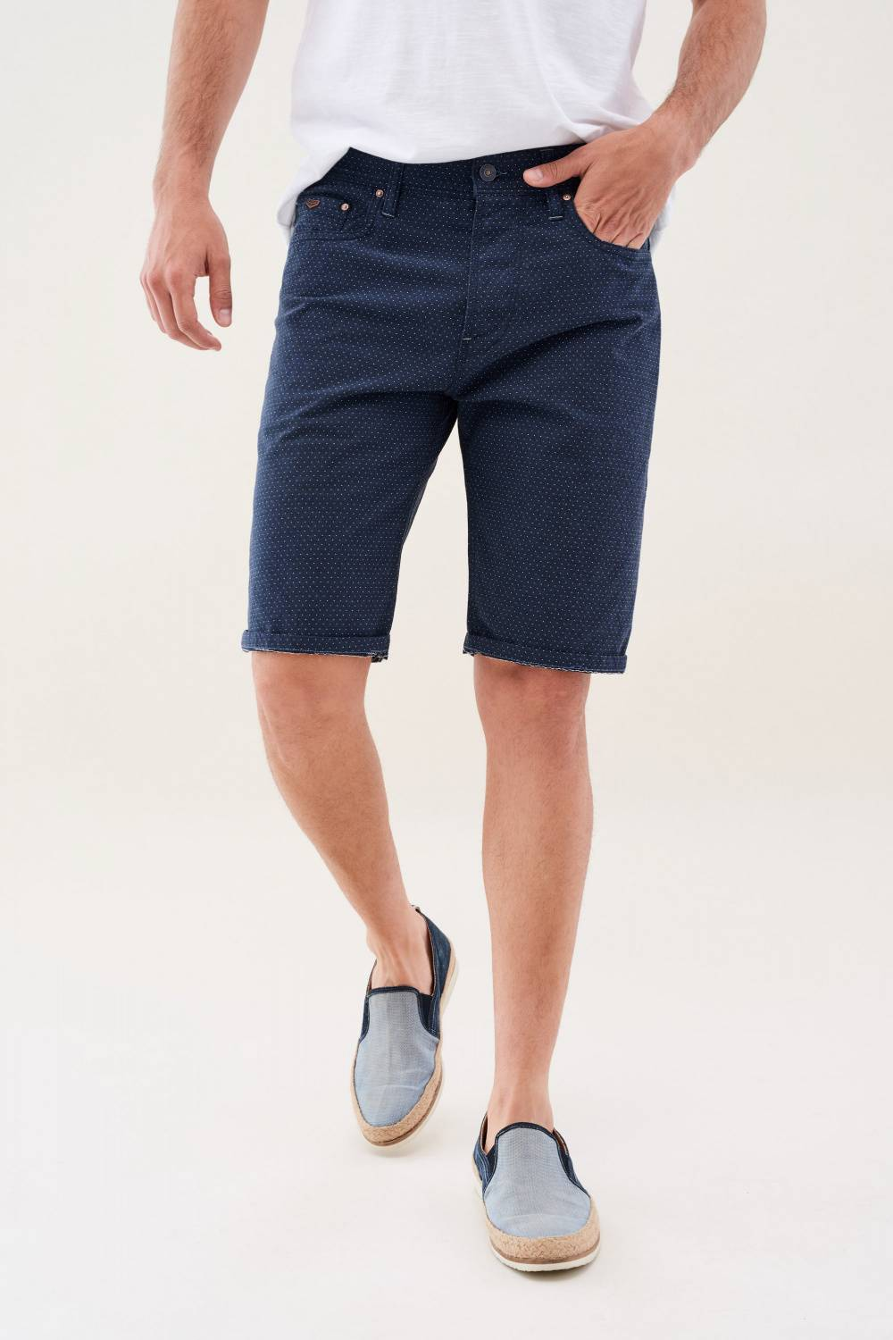Loose shorts in colour fabric - Salsa