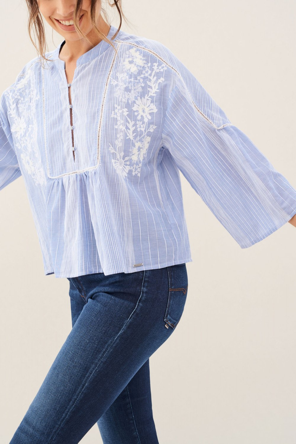 Blouse with embroidery - Salsa