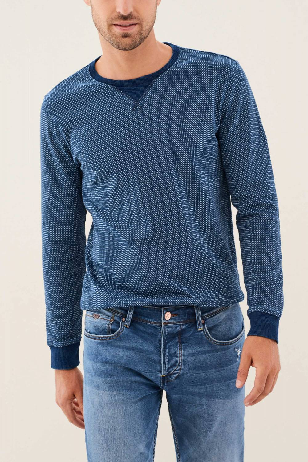 Plush jumper with colour contrast on the neckline - Salsa