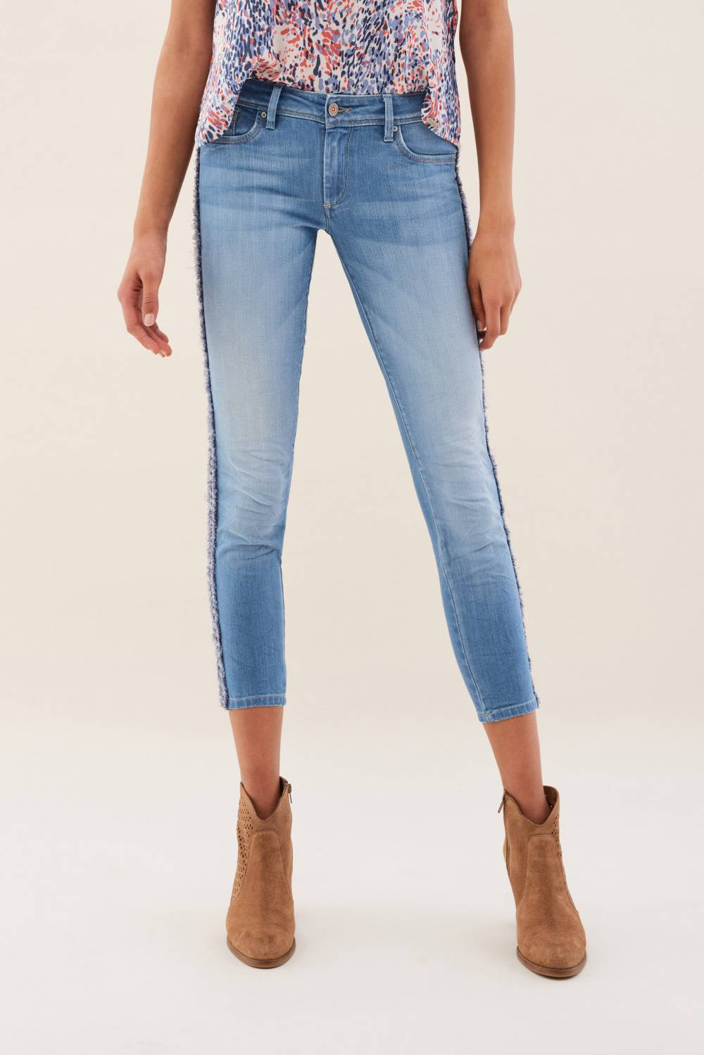 Capri Wonder jeans with lateral coloured sides - Salsa