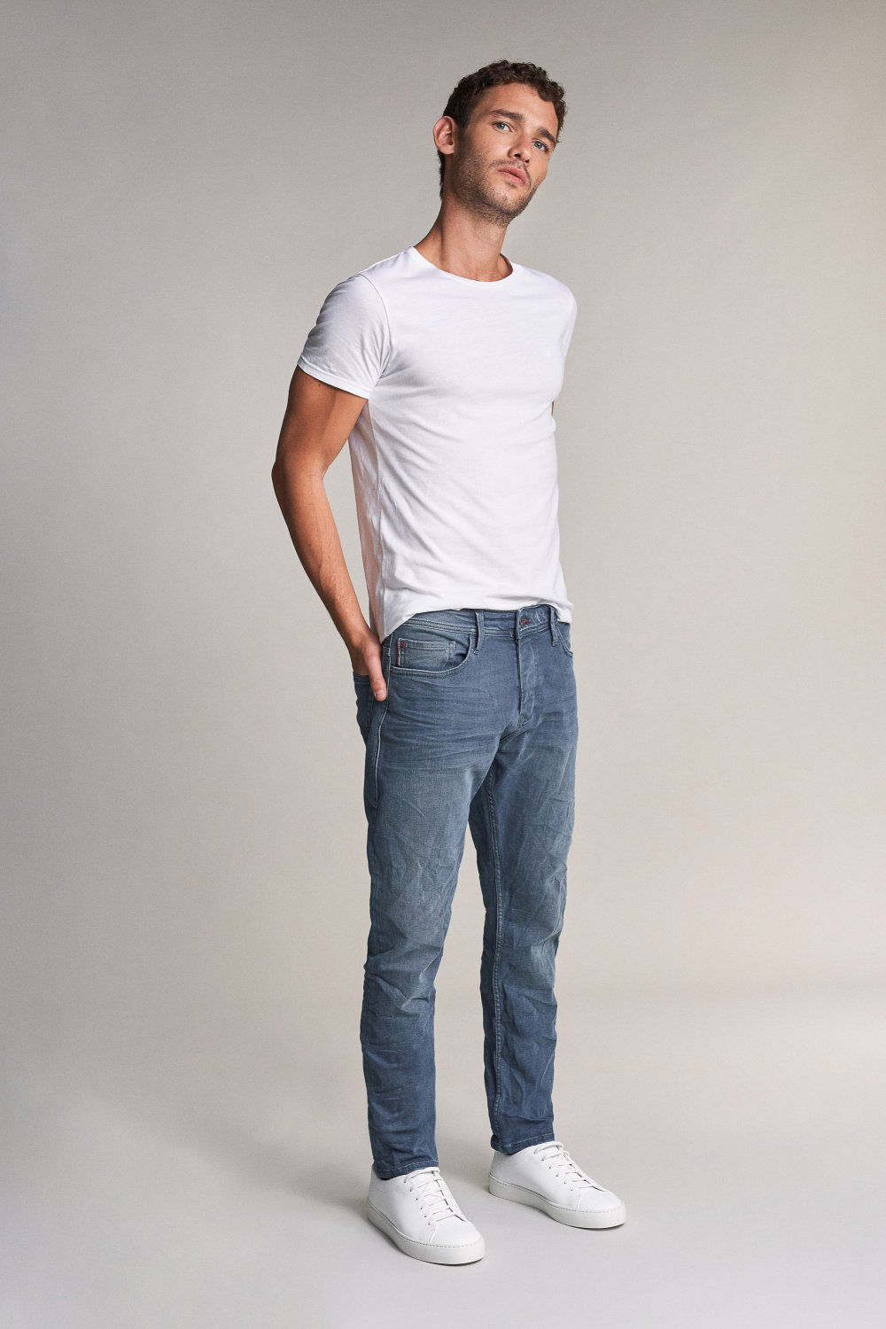 Slender slim carrot jeans in medium rinse - Salsa