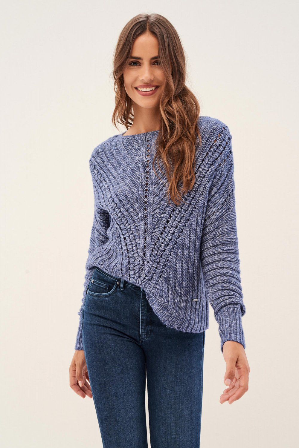 Knitted jersey with braid - Salsa