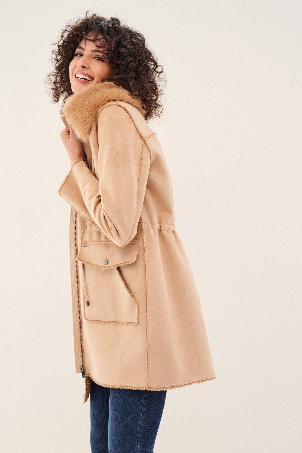 Coat with belt and fur collar - Salsa