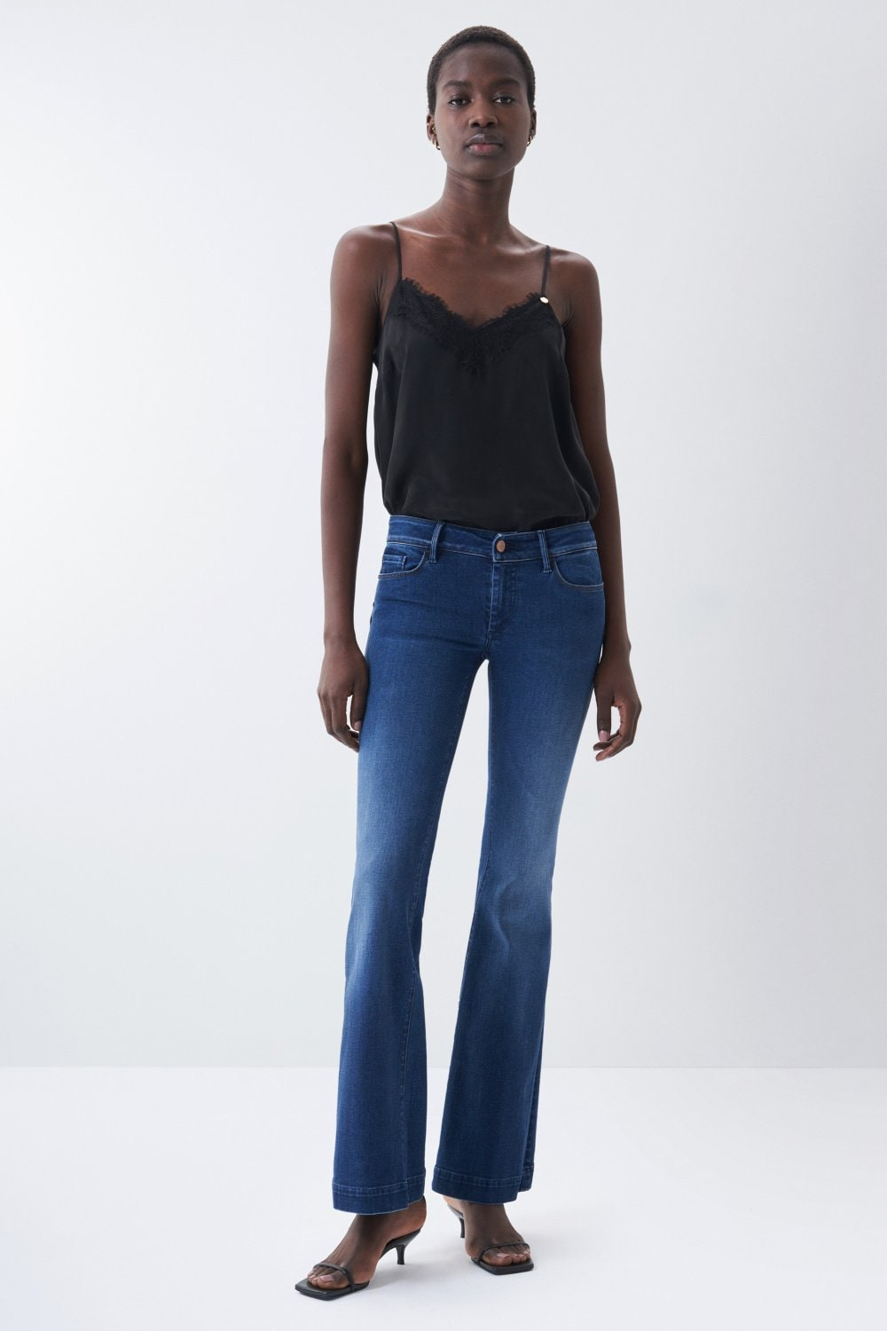 Wonder push up flare jeans in dark denim - Salsa