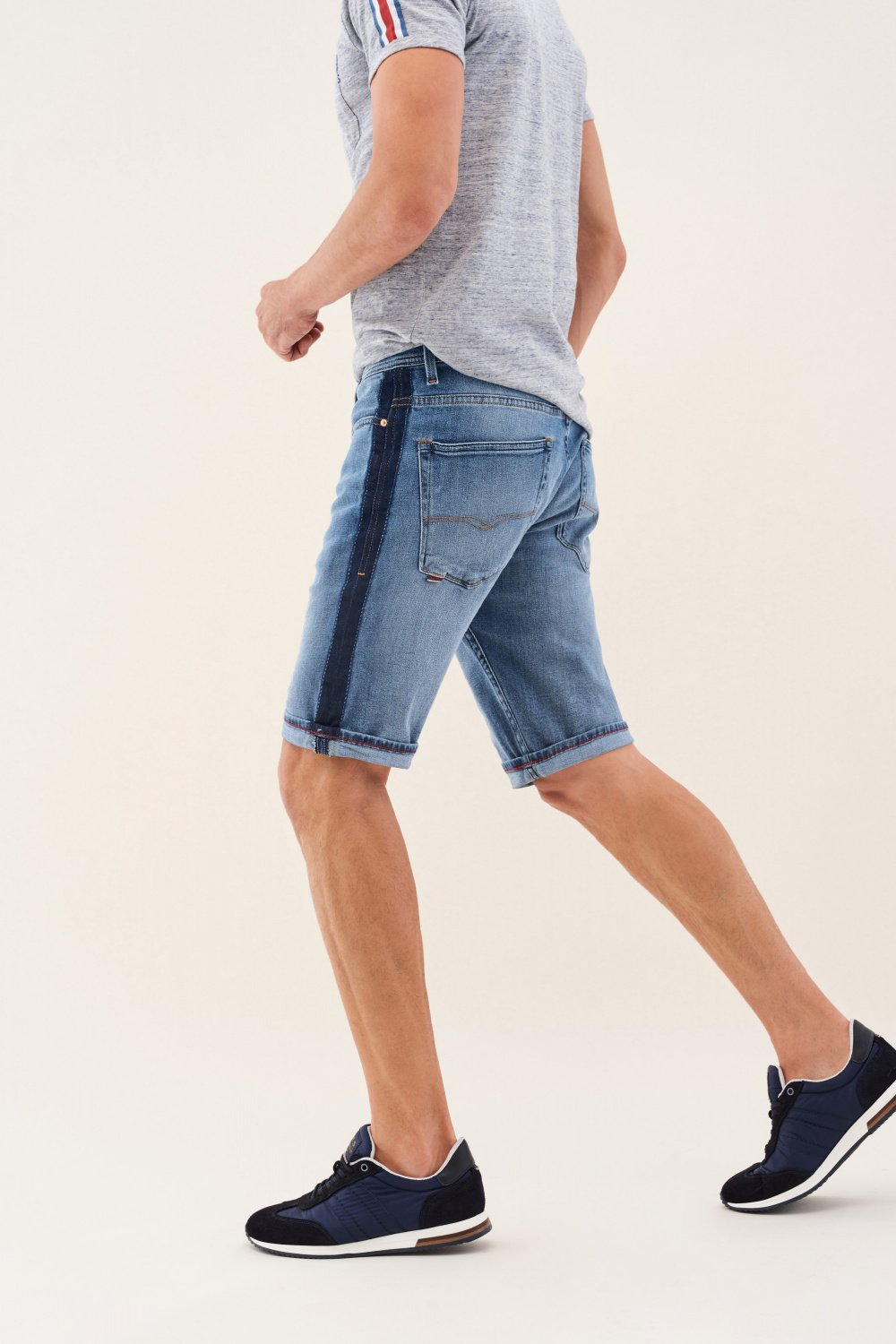 Loose denim shorts with side strip - Salsa