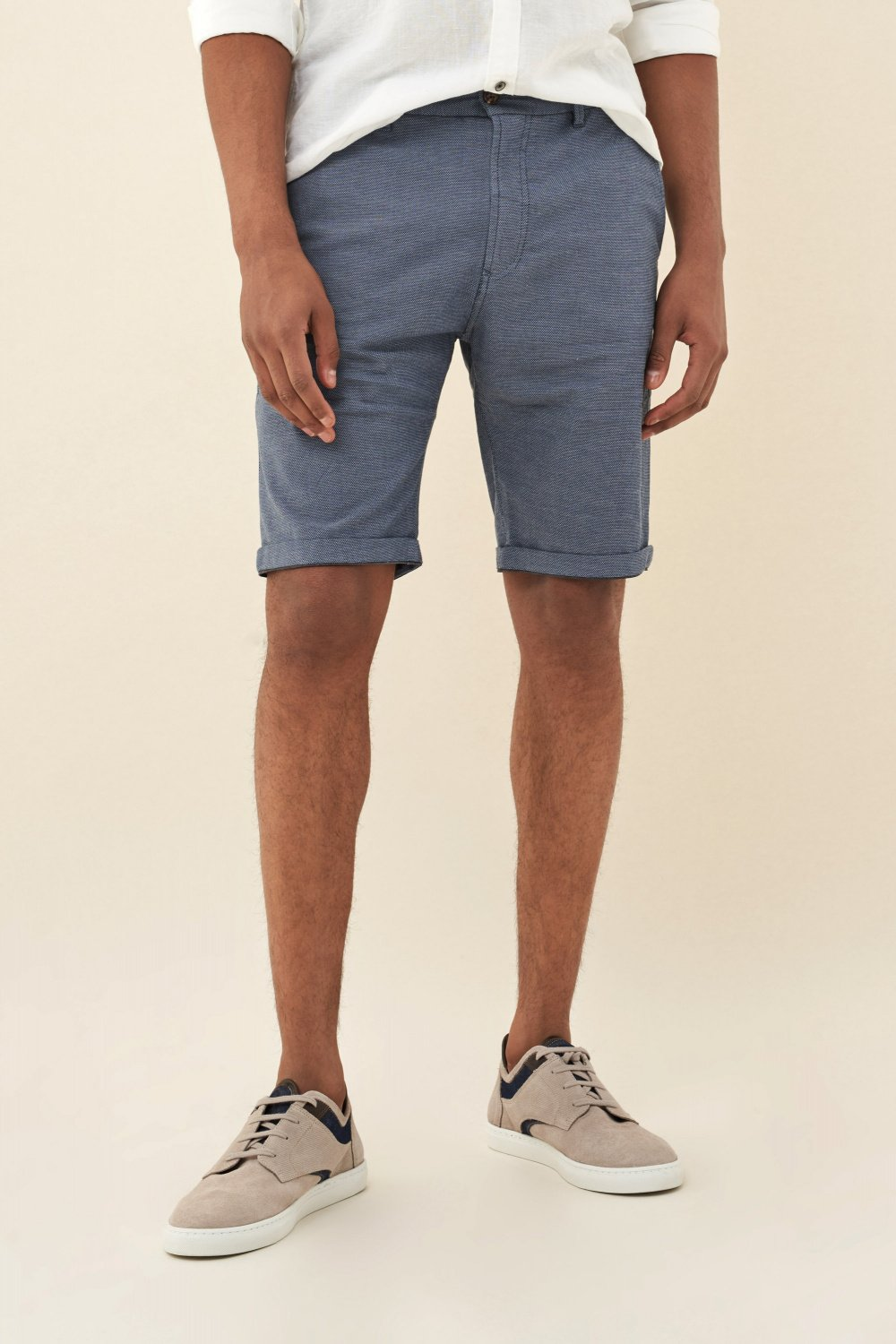 Brandon loose shorts with detail on belt - Salsa