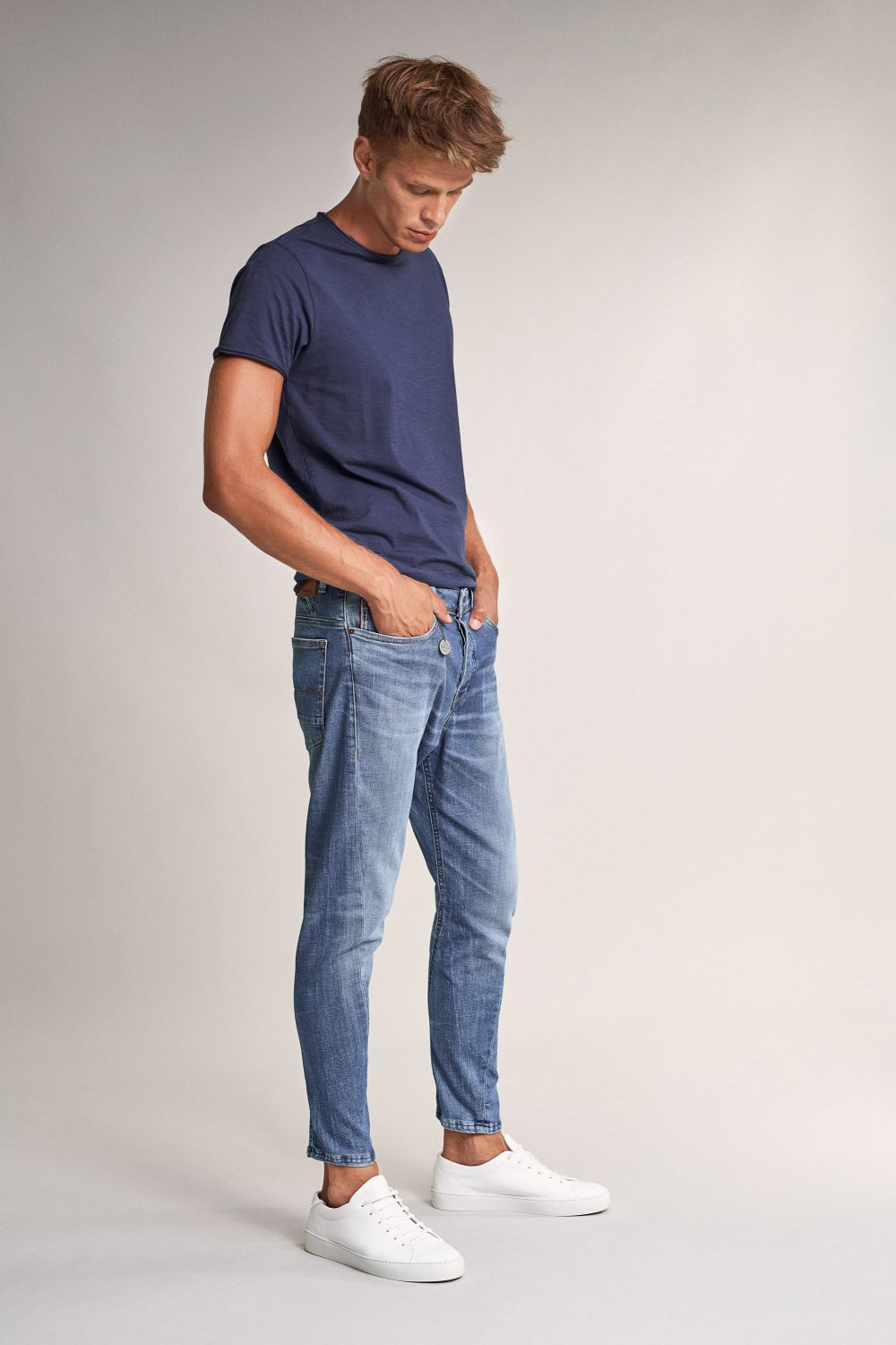 Karl loose slim jeans with twisted stitching - Salsa