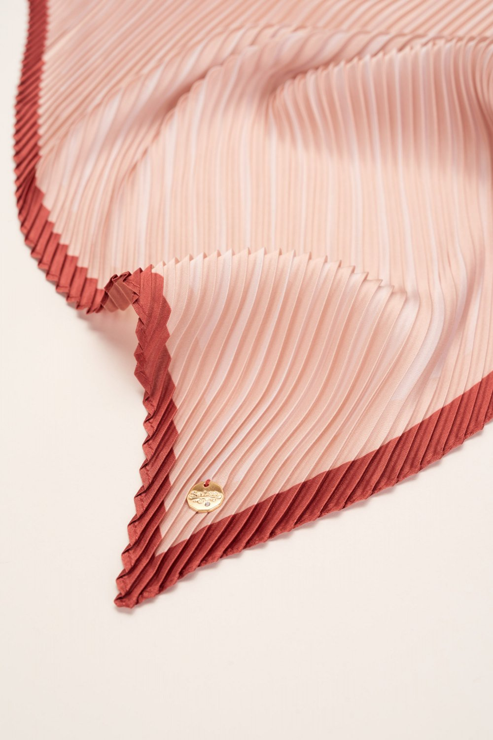 Pleated scarf - Salsa