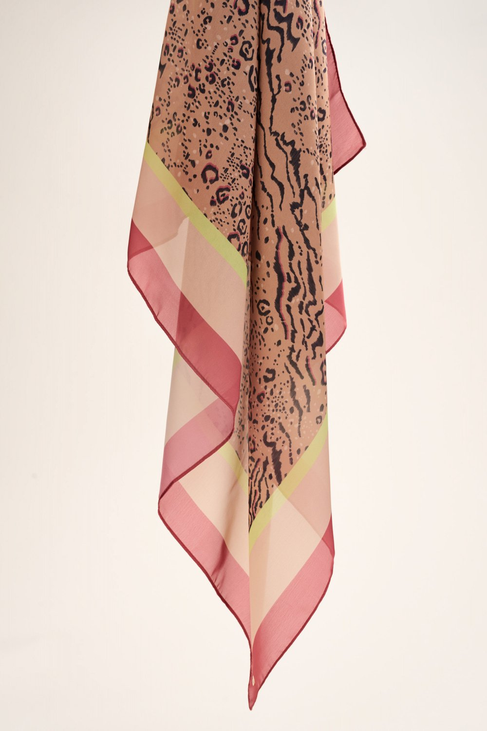 Animal print scarf with neon strip - Salsa