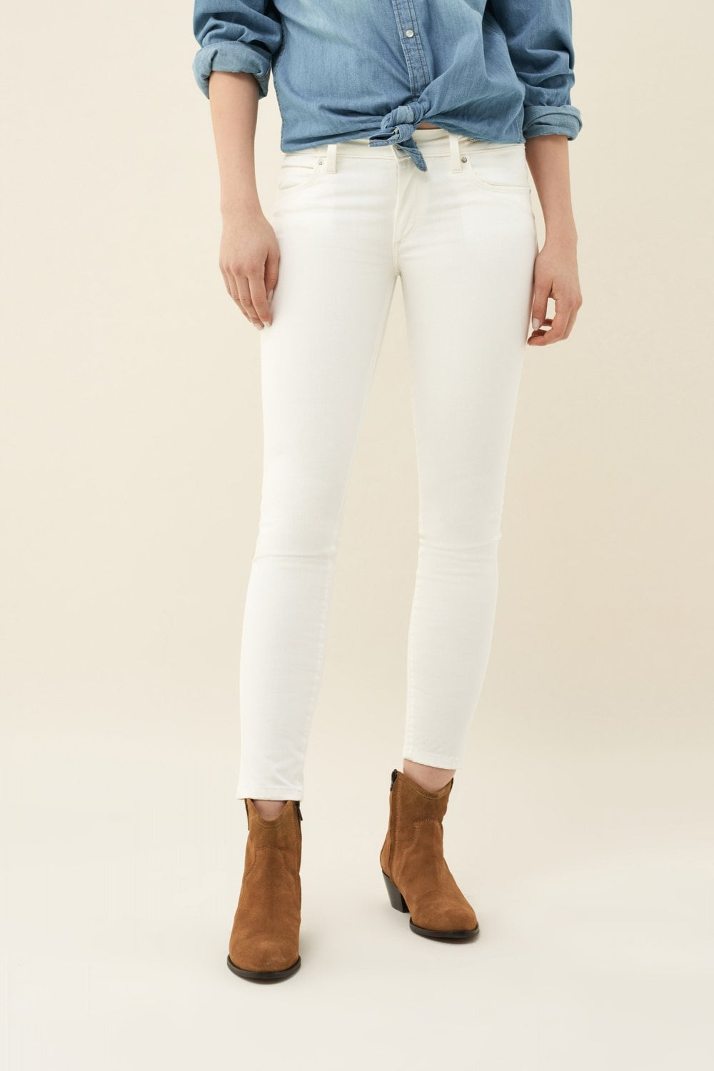 Push Up Wonder capri jeans with detail on belt - Salsa