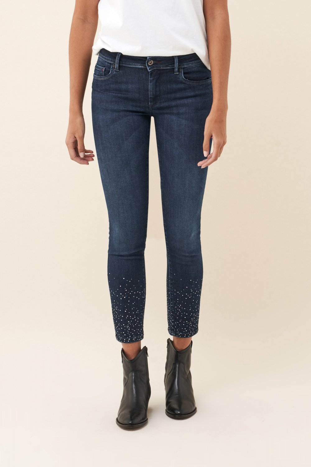 Push Up Wonder capri jeans with sparkle on hem and leg - Salsa