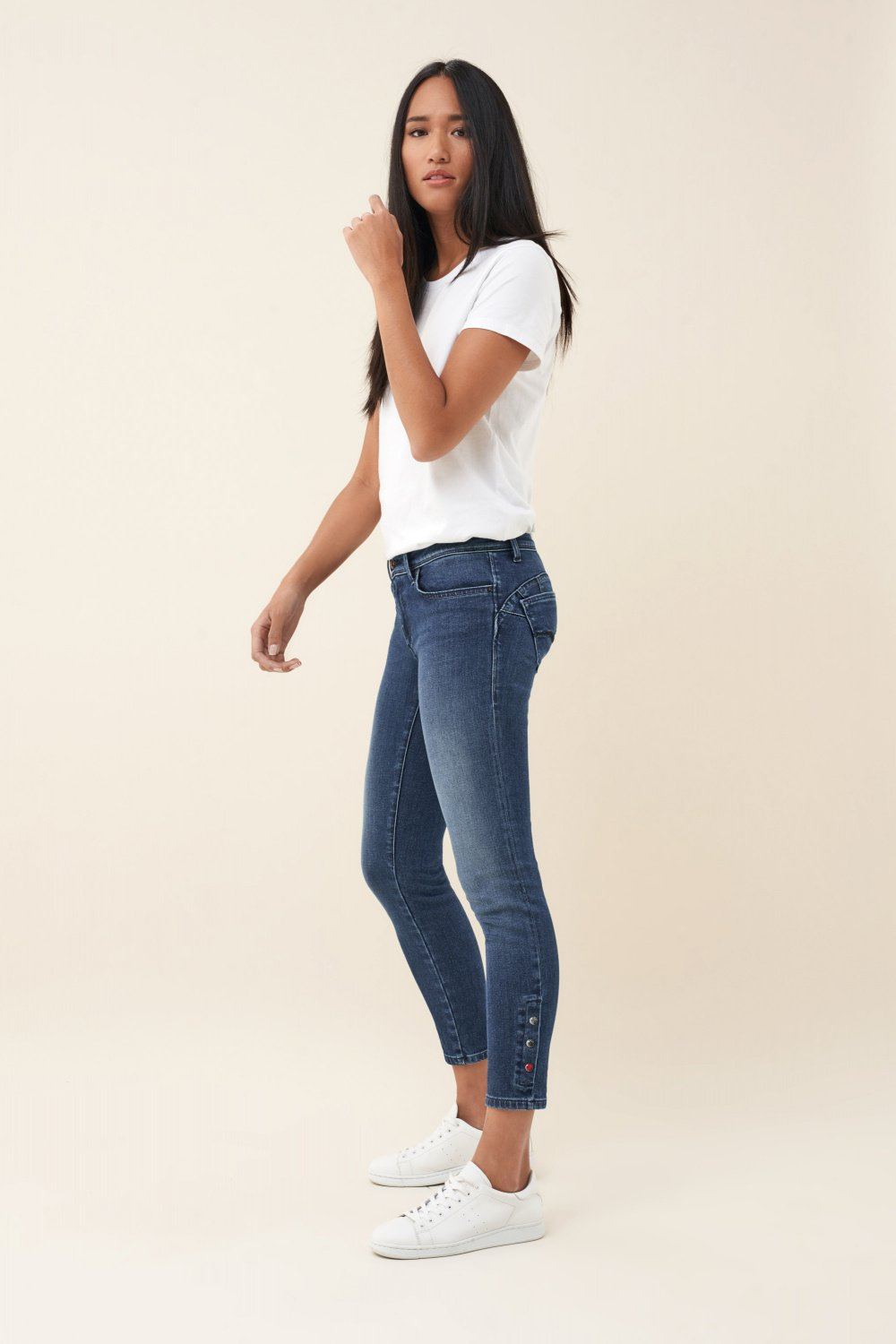 Push Up Wonder capri jeans with colour studs - Salsa