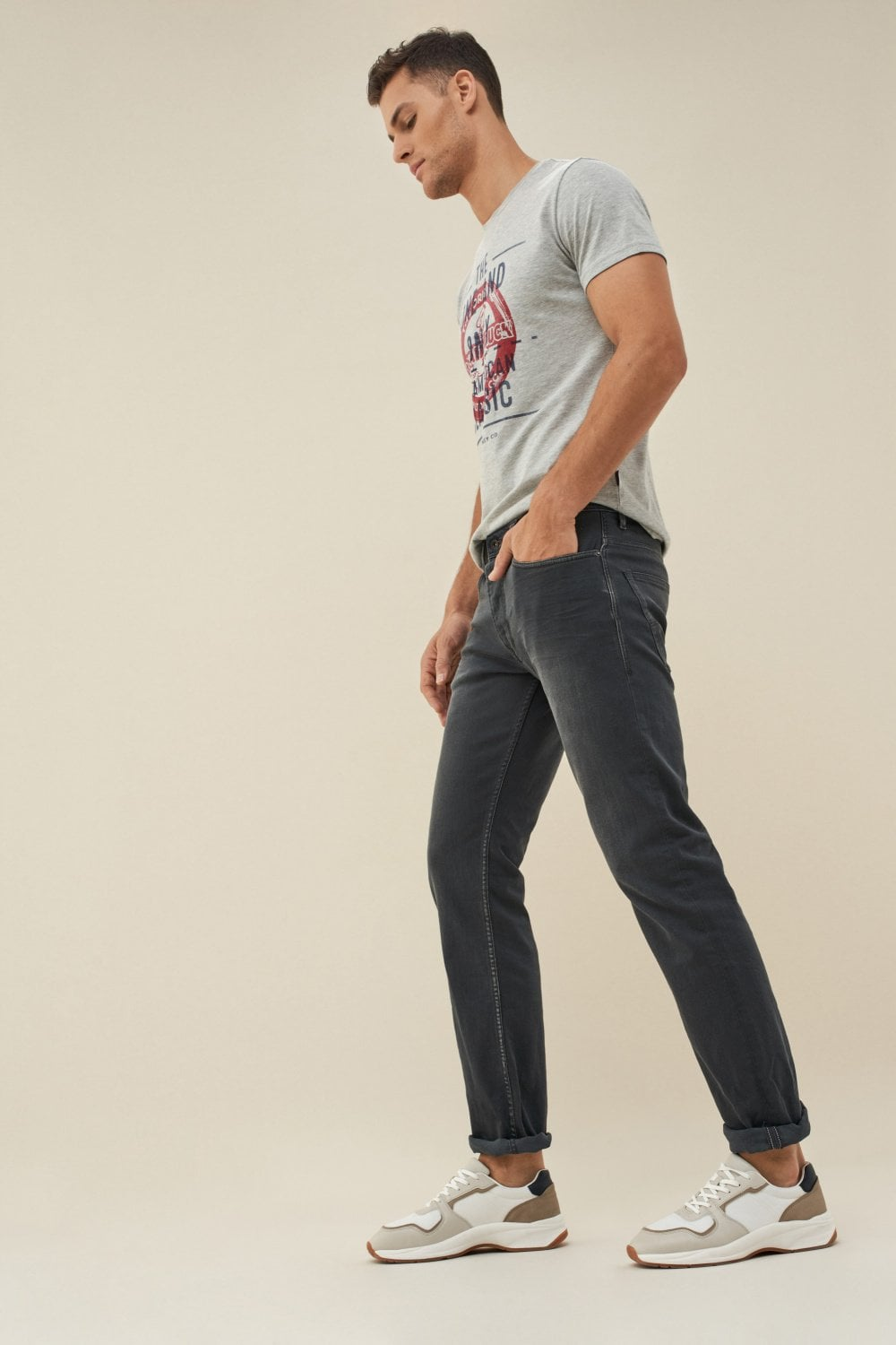 Navarro straight jeans with light wear - Salsa