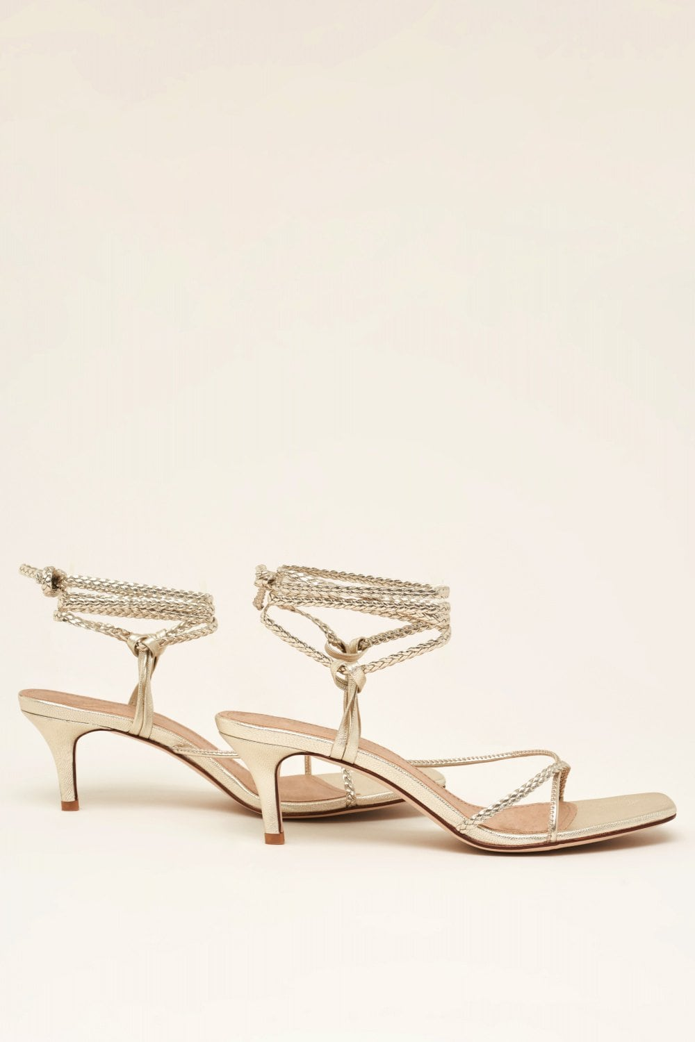 Sandals with thin interlaced straps - Salsa