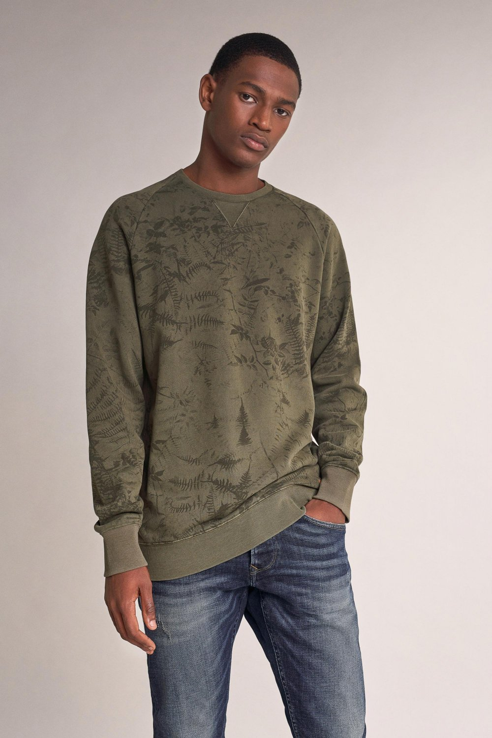 Sweater with allover leaf print - Salsa