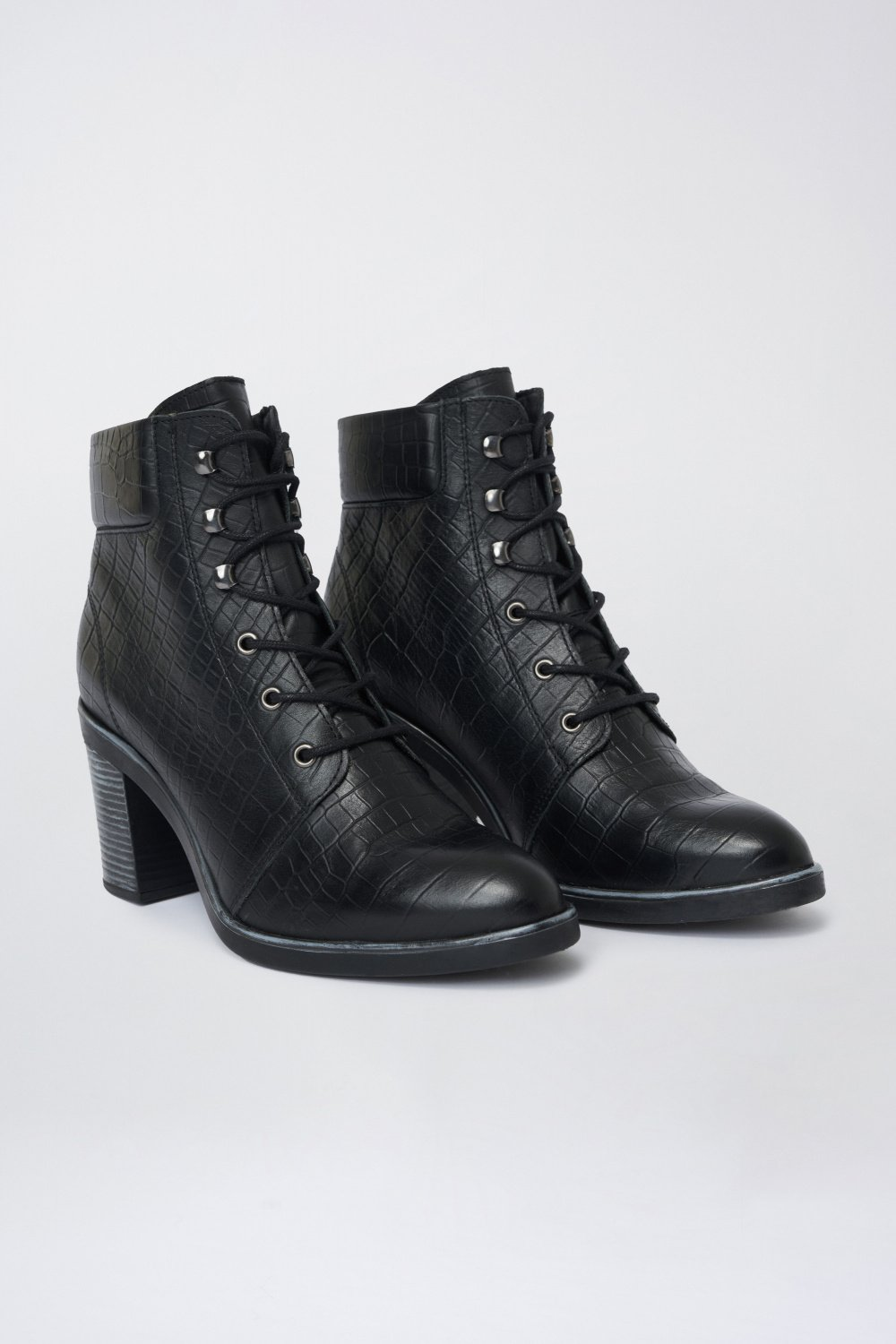 Leather boot with biker-style heel - Salsa