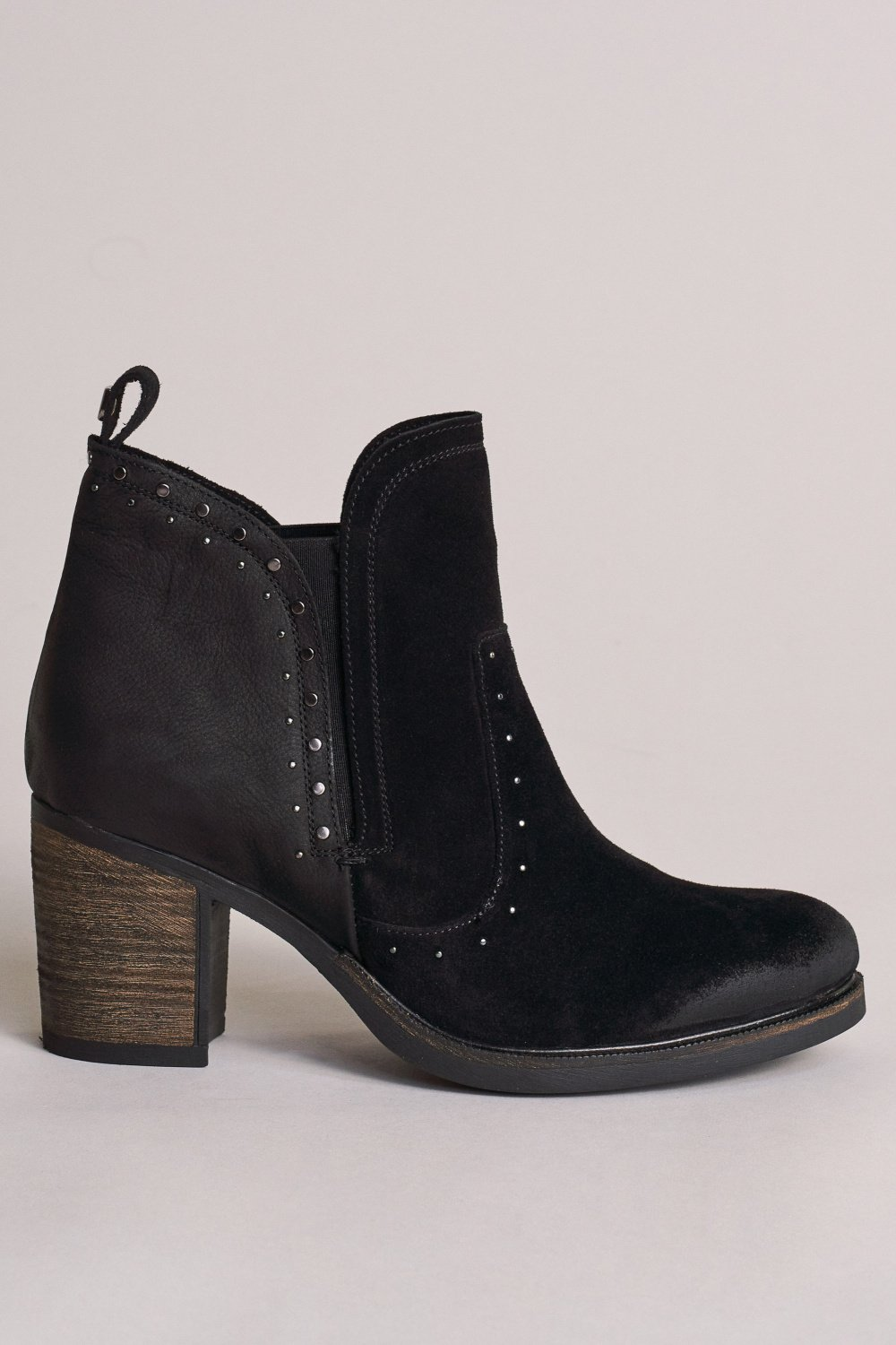 Leather boots with high heel and studs - Salsa