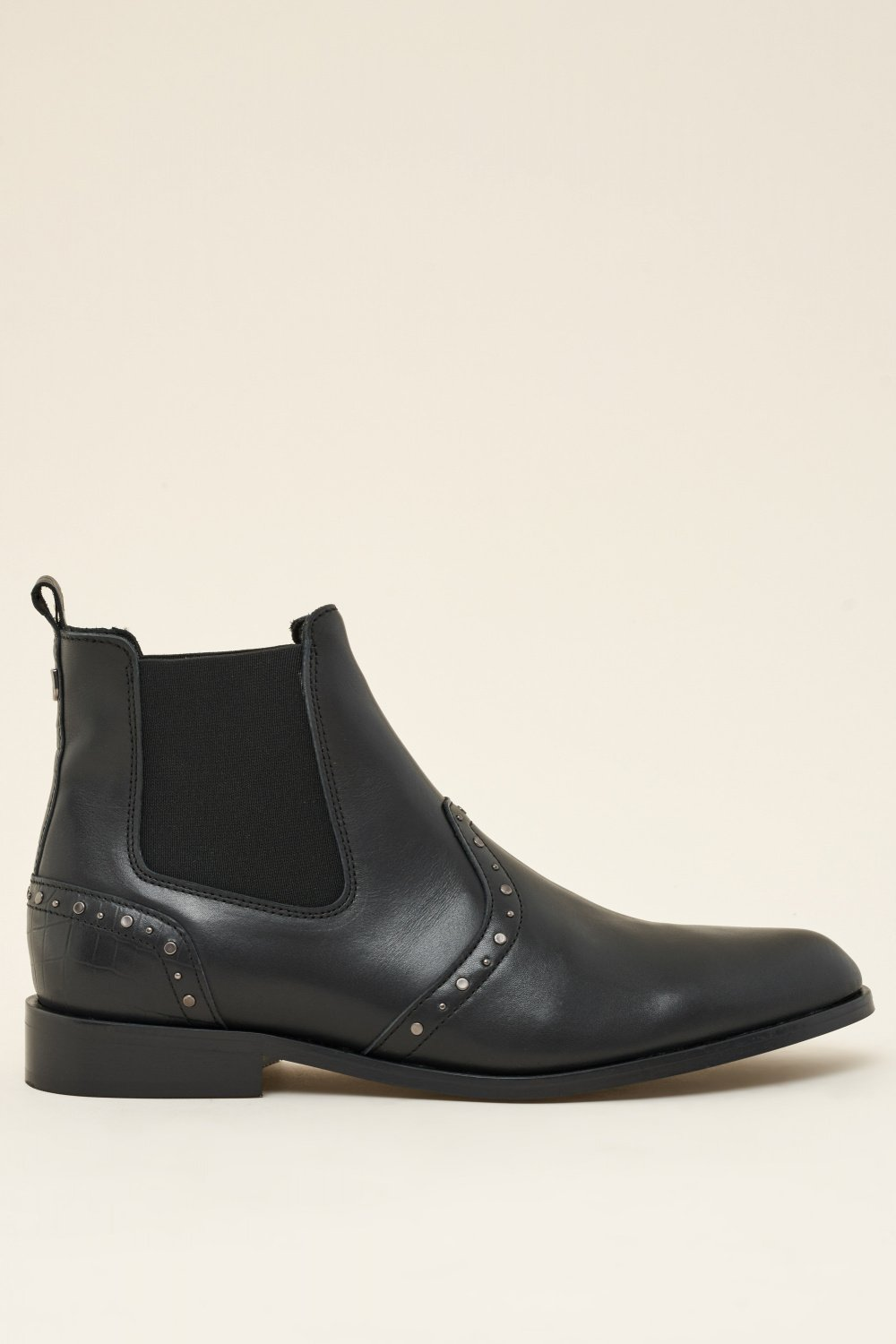 Flat leather boots with studs - Salsa