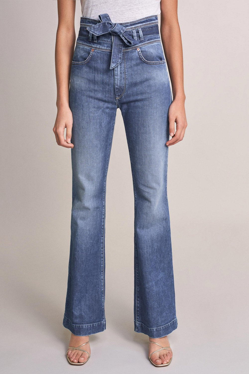 Push Up Wonder capri high-waisted jeans with belt - Salsa
