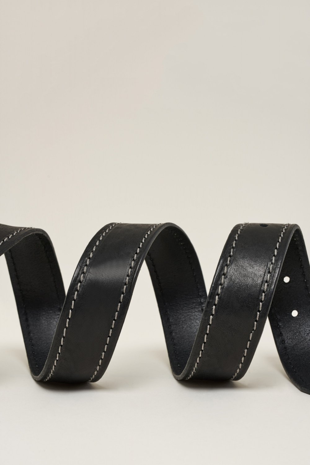 Leather belt with contrast stitching - Salsa