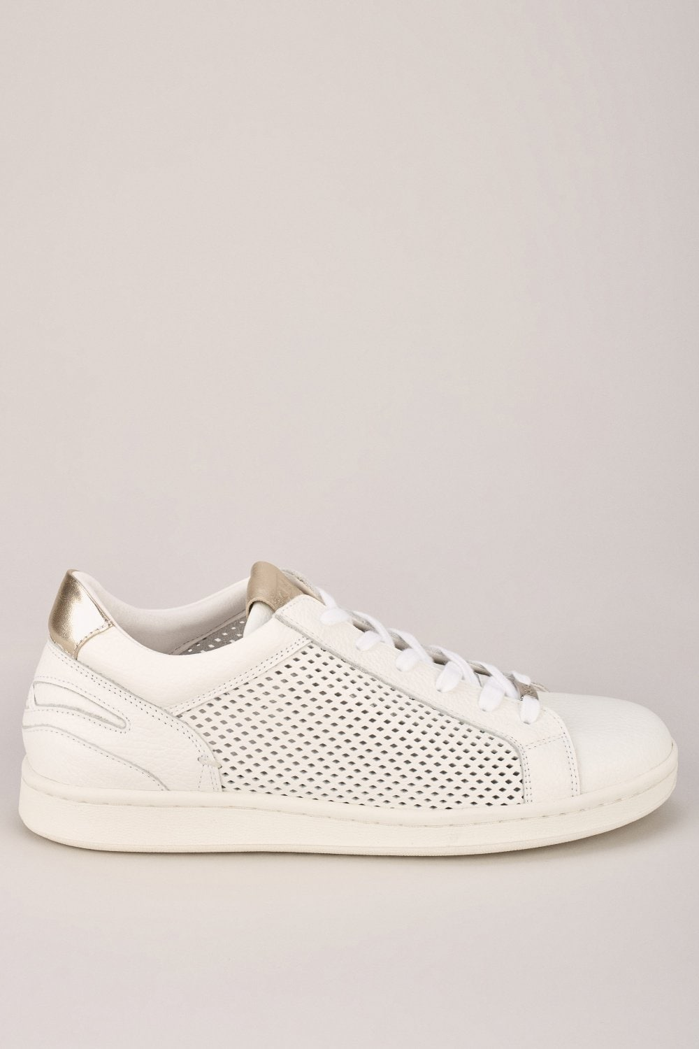 Perforated trainer - Salsa