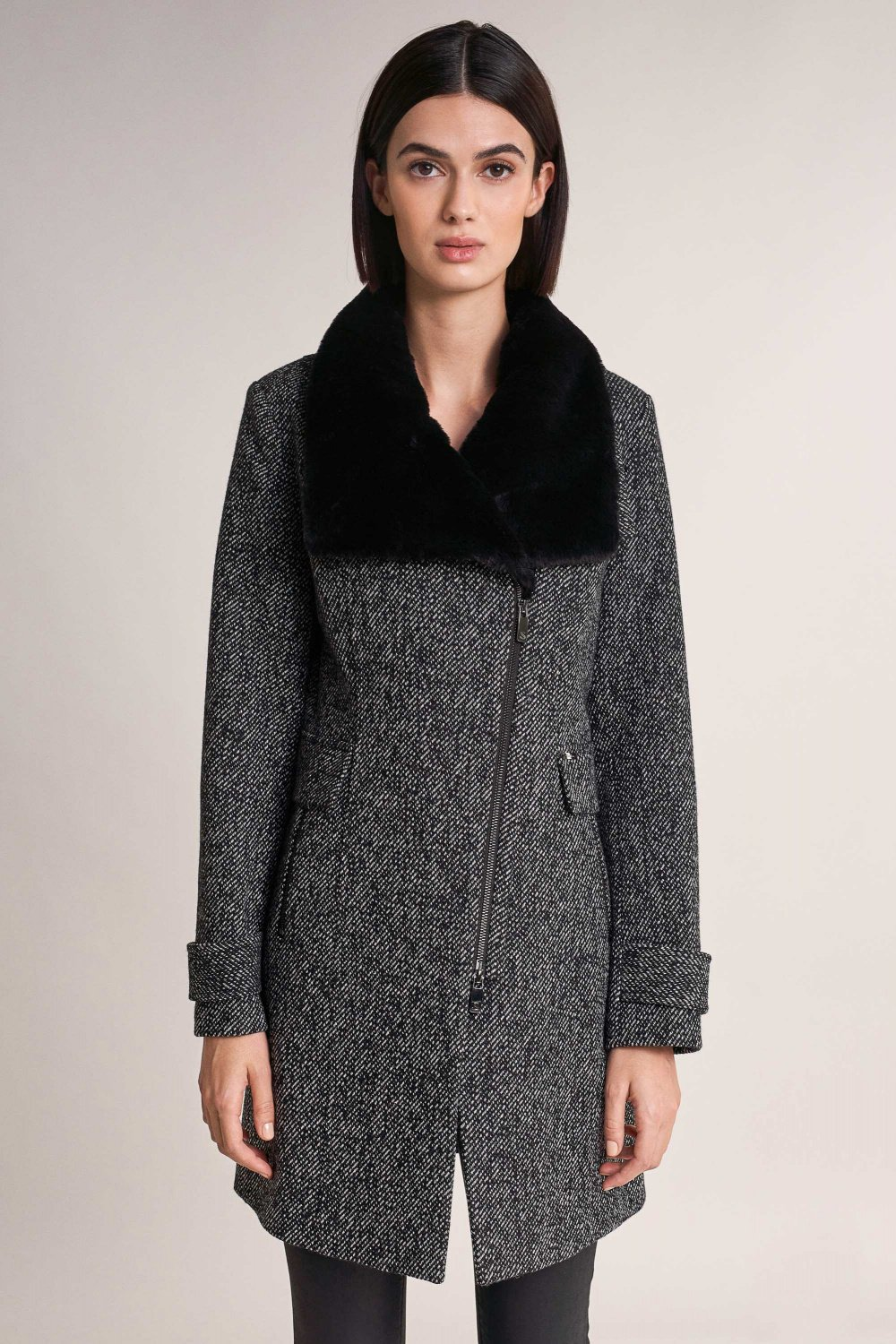 Outdoor coat with synthetic fur on the collar - Salsa